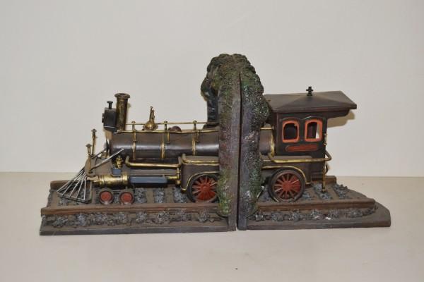 Buchstützen Oldtimer Lokomotive