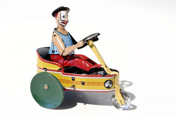 Paya Figur Betrunkener Clown auf Dreirad aus Blech Ansicht rechts