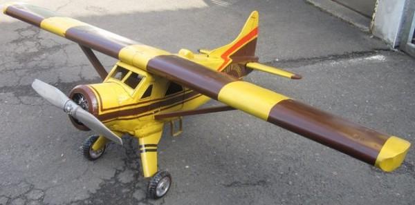 Flugzeug Bush DHC 2 - Großmodell Ansicht links
