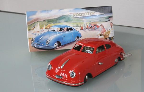 BUB - JNF Porsche Prototyp rot Ansicht mit Karton