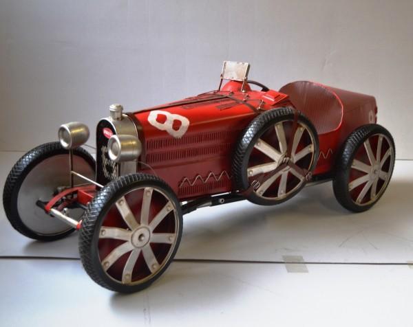 Bugatti Oldtimer T 35 C in Rot Ansicht links