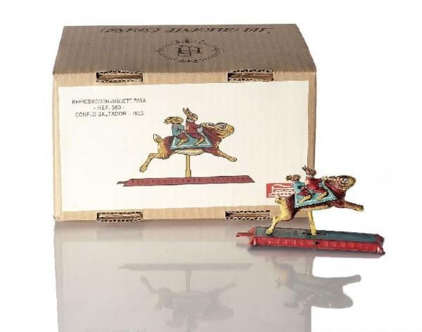 Paya Figur Springender Hase mit Hasen auf dem Rücken und Karton Ansicht links