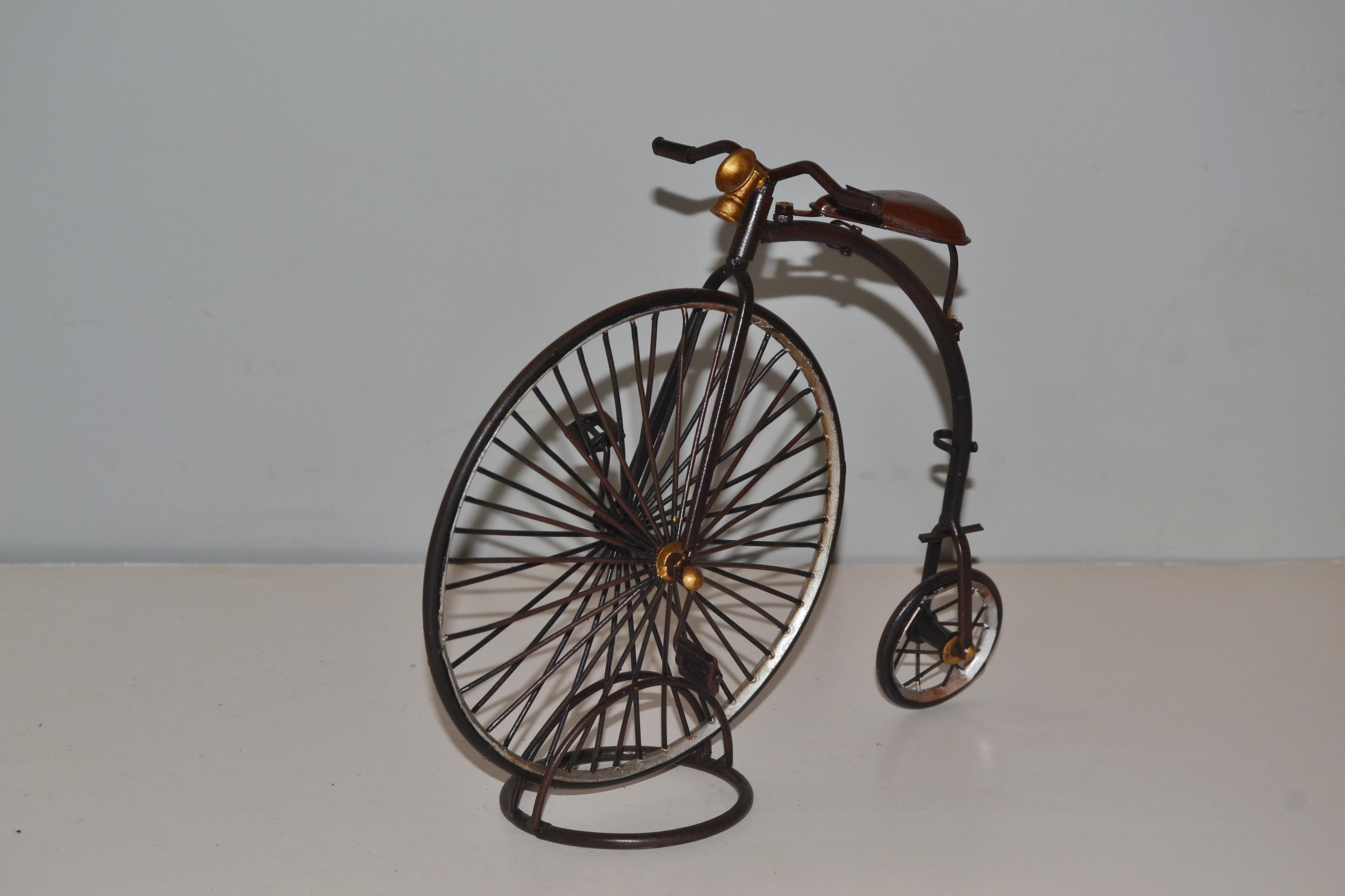 hochrad modell oldtimer fahrradmodell modellfahrrad. Black Bedroom Furniture Sets. Home Design Ideas