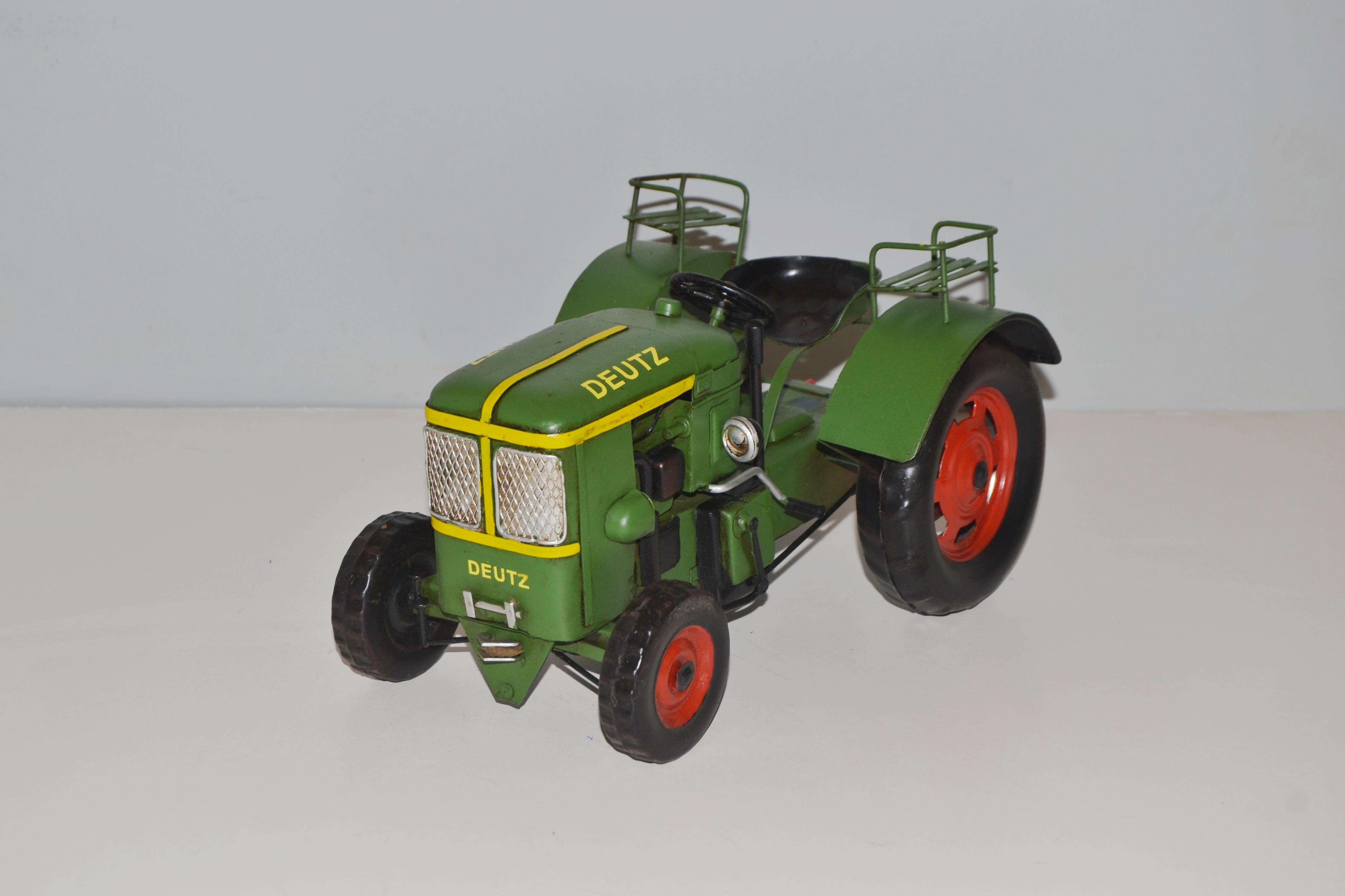 traktor le 2