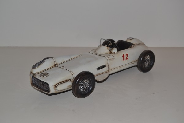 Mercedes W 196 Rennwagen Ansicht links