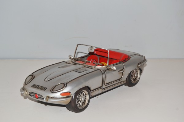 JAGUAR E-Type Ansicht links