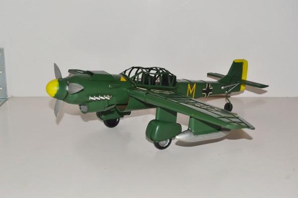 Sturzkampfbomber Stuka Junkers JU 87 Ansicht links