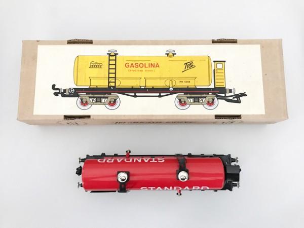 Paya Tankwagen Standard rot Ansicht mit Karton